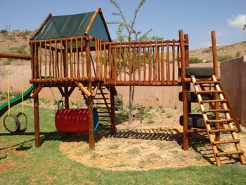 Jungle_Gyms_For_Africa_Wooden_Jungle_gym2