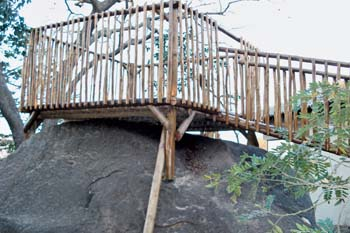 Jungle_Gyms_For_africa_Wooden_fencing13